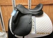Custom Saddlery Icon Flight Used Dressage Saddle 18