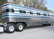 1988 Streamliner Deluxe 9 Horse Trailer