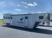 2011 Exiss 4 Horse with 12' Living Quarters
