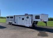 2022 Lakota 4 Horse LQ Trailer