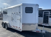 2018 Adam 2 Horse trailer with Dressing Room. Like new!