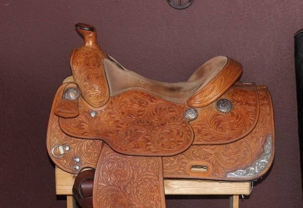 Broken Horn Western Show Saddle Package 16
