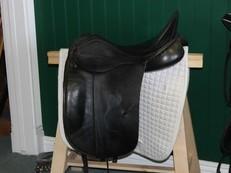 SOLD! ! - Albion SLK Dressage Saddle 17. 5