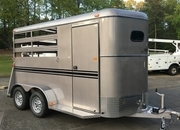 Bee 2 Horse Slant Trailer with Dressing Room, Mats, 7ft Tall, Sharp!